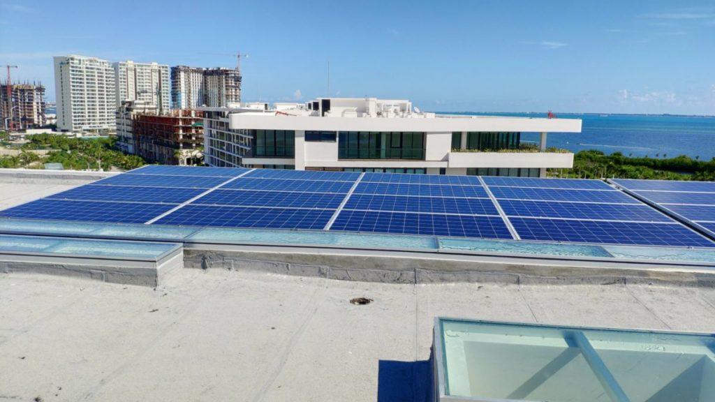 paneles-solares-puerto-cancun