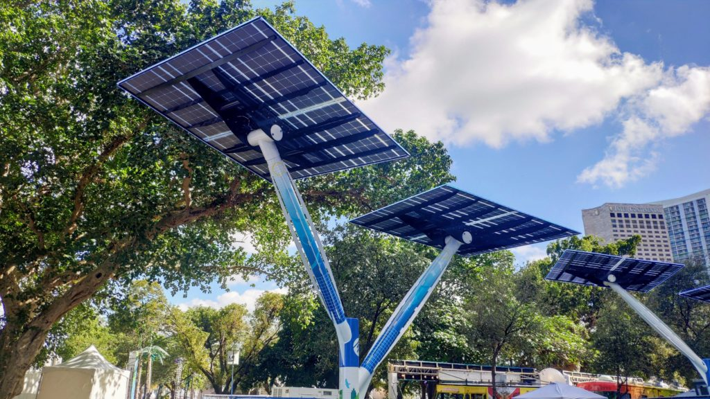 paneles solares parque